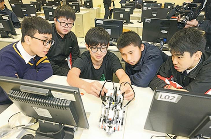 Adventures in Robotics Summer Camp Kowloon