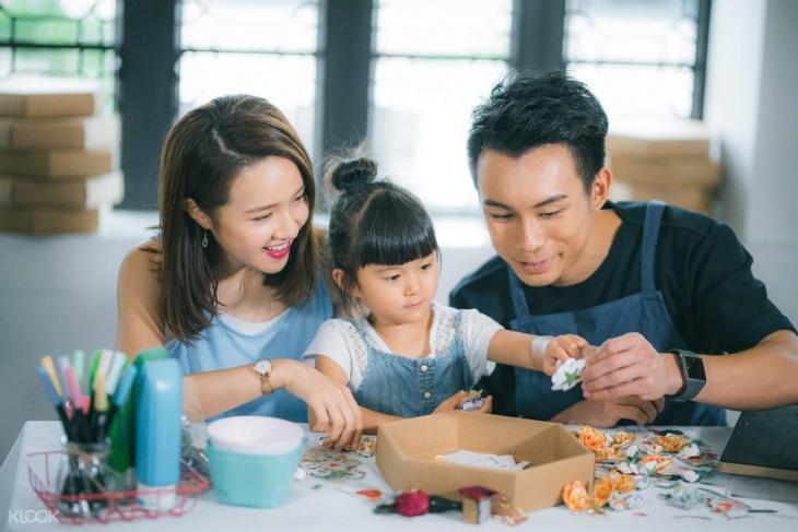 Ngong Ping 360 Paper Craft Workshop